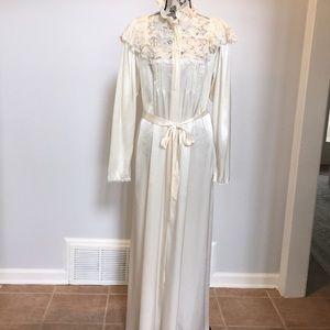 Victoria's Secret Beige Long Silk Feel Robe Large